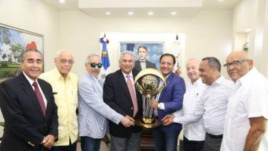 Photo of Águilas Cibaeñas reconocen al alcalde de Santiago, Abel Martínez