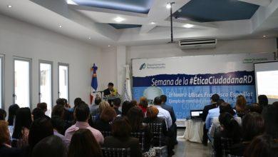Photo of Monseñor De la Rosa y Carpio dicta la conferencia: «Valores éticos y morales en la Gestión Pública»