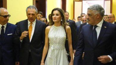 Photo of Presidente Medina recibe en su despacho a la reina de España