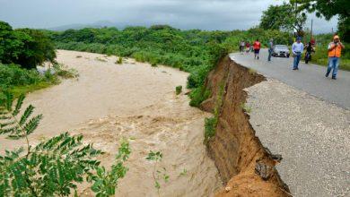Photo of Buscan joven que se lanzó a las desbordadas aguas del río Nigua en San Cristóbal