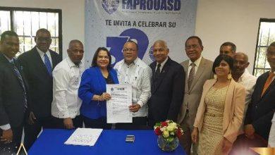 Photo of Emma Polanco firma pacto por el saneamiento integral de la UASD
