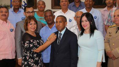 Photo of Gobierno entrega la Medalla al Mérito a más de 200 servidores públicos de la Región Norte