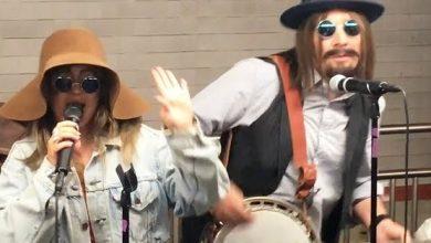 Photo of Vídeo: Christina Aguilera se disfraza y canta en el metro de NY