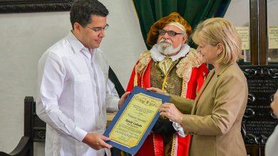 Photo of Ciudad Antigua Guatemala reconoce al alcalde David Collado