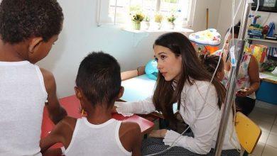 Photo of Nahiony Reyes lleva alegría y esperanza a niños y padres en hospital de Santiago