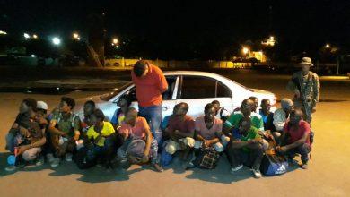Photo of Ejército detiene carro transportaba 17 haitianos indocumentados en Mao