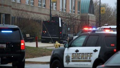 Photo of Dos adultos graves en tiroteo en escuela de Kansas de EE. UU.