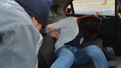 Photo of Mujer afirma que un taxista la violó dos veces y la echó del auto pero regresó para llevarla a casa