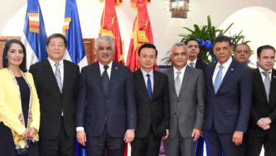 Photo of Canciller Miguel Vargas y delegación china intercambian sobre inversión y turismo