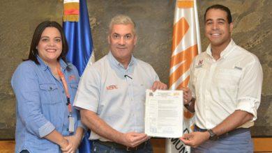 Photo of Ministerio de Obras Públicas emite primera licencia de construcción para titulación definitiva de apartamentos estatales