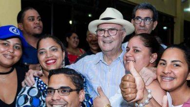 Photo of Hipólito cumple promesa de «salir a la calle» para consolidarse