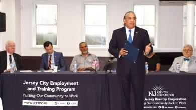 Photo of Castillo y exgobernador de Nueva Jersey trabajan para reinsertar ex convictos dominicanos en la sociedad.