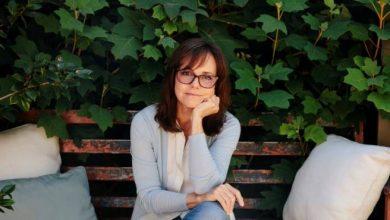 Photo of La actriz Sally Field asiste a funeral privado de Burt Reynolds