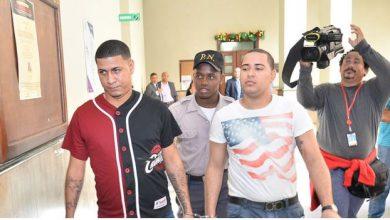 Photo of Dictan 30 años de prisión a Brayan Peter y descargan a varios acusados en caso John Pércival.