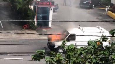 Photo of Camioneta se incendia en la avenida Abraham Lincoln