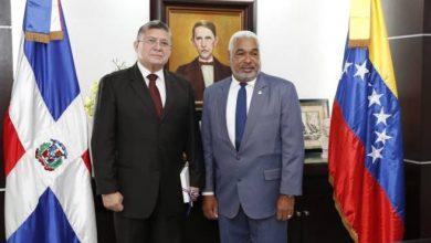 Photo of Embajador de Venezuela dice Maduro nunca afirmó que desde RD se planificara complot en su contra