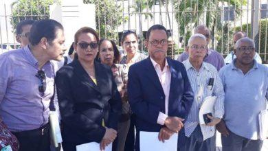 Photo of Trabajadores exigen frente al Congreso cambio del sistema de capitalización individual