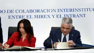 Photo of Canciller Miguel Vargas y el Intrant acuerdan renovación de licencias de conducir en consulados dominicanos