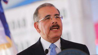 Photo of Danilo Medina se solidariza con víctimas de explosión en fábrica de plásticos.