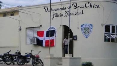 Photo of Multitud intenta linchar mujer se robaría niño en Boca Chica.