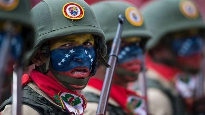 Photo of Cómo es el ejército de Venezuela y qué medios tiene para responder a una intervención de Estados Unidos