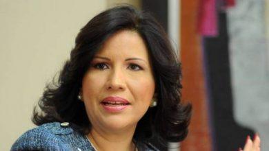 Photo of Margarita dice a El Alfa le toca transformar la vulgaridad y la obscenidad en valores y principios para la juventud.