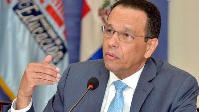 Photo of Ministro de Educación dispone transferencia de RD$624 millones a juntas de centros