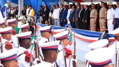 Photo of Presidente Medina encabeza desfile por el aniversario de la Batalla del 19 de Marzo