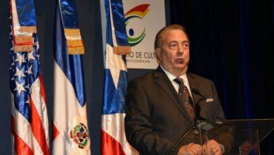 Photo of Ministro de Cultura dice es buena la asistencia a la Feria del Libro en Ciudad Colonial.