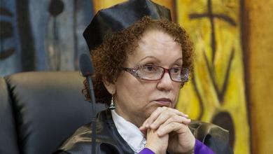 Photo of En el espionaje a Miriam, fiscales pincharon teléfono de uno que había muerto.
