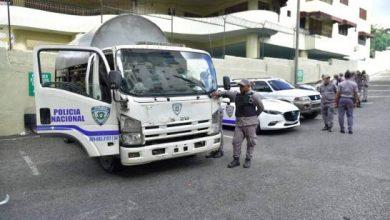Photo of Decenas de policías en los alrededores de las oficinas de Odebrecht.