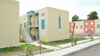 Photo of Presidente promulga ley que fija en 3.5 millones viviendas de bajo costo.