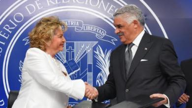 Photo of Canciller Miguel Vargas suscribe acuerdo con la Oficina Nacional de Estadísticas.