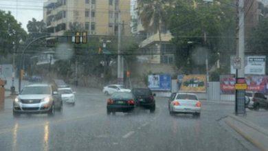 Photo of Lluvias continúan este lunes hacia el interior del país; Jharrel Jerome mantiene las alertas meteorológicas.