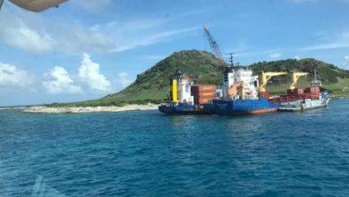 Photo of Armada Dominicana rescata barco Habi B Express tras 23 días encallado en isla Alto de Velo.