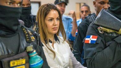 Photo of Marisol Franco amamanta a sus hijas en la cárcel de Najayo.