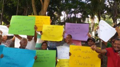 Photo of Cancelados de la alcaldía de Santiago marchan en reclamo de sus prestaciones.