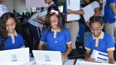 Photo of Minerd concluye entrega de más de 105 mil computadoras a estudiantes de secundaria.