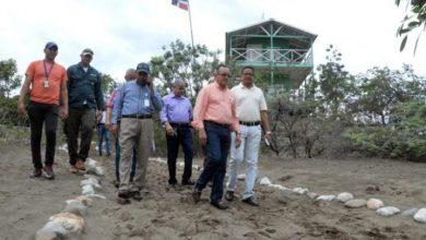 Photo of Ministro de Medio Ambiente detiene depredación de Dunas.