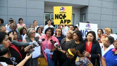Photo of Sindicatos de sector salud cumplen paro de labores para aumento salarial