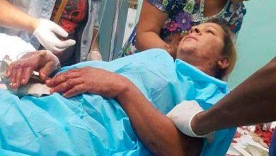 Photo of Hijo acuchilla en el cuello a su madre.