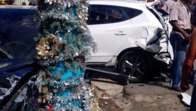 Photo of Camión recolector de basura arrolla tres automóviles.