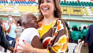 Photo of Vicepresidenta exhorta a fortalecer familia y reducir la violencia contra la mujer.