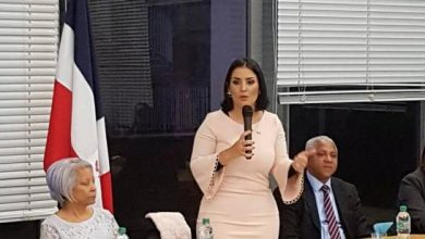 Photo of Presidente Medina nombra a Marjorie Espinosa como embajadora en Argentina.