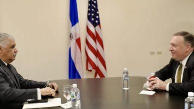 Photo of Canciller Miguel Vargas trata con Pompeo temas regionales.