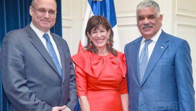 Photo of Canciller Miguel Vargas recibe visita de subsecretario del Tesoro EE. UU.