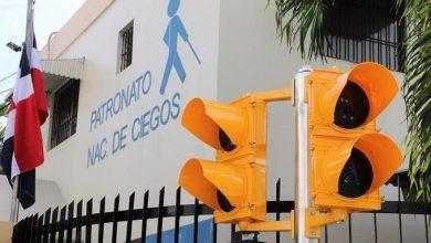 Photo of Colocan primer semáforo sonoro para peatones no videntes en la avenida Correa y Cidrón.