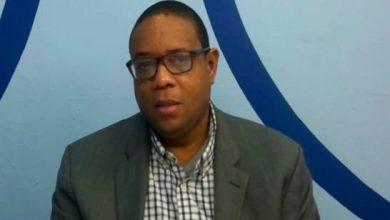 Photo of Muere de un infarto periodista y abogado Manasés Sepúlveda.