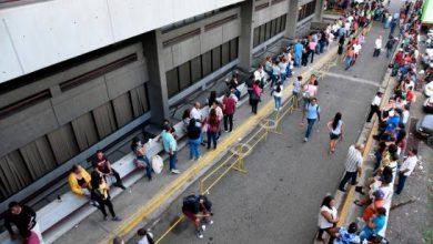 Photo of Extensas filas para cobrar en la Junta Electoral de Santiago; empiezan el pago.