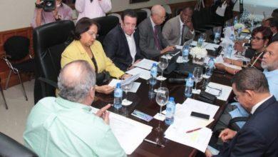 Photo of UASD defiende su autonomía ante comisión bicameral estudia proyecto de ley.